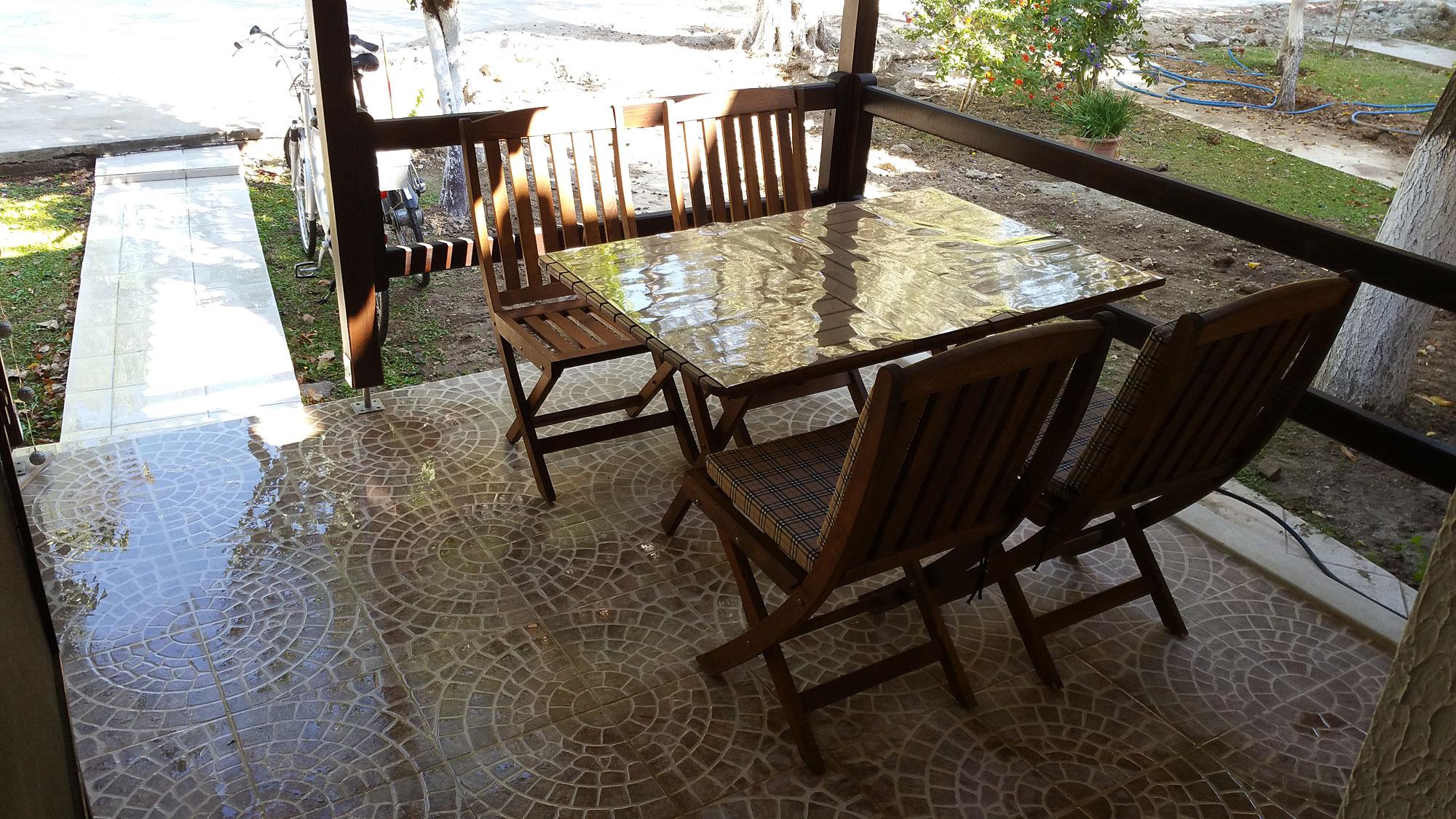 Die Terrasse im Eingangsbereich