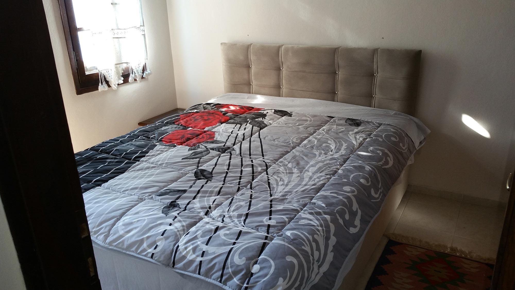 Das Schlafzimmer 1